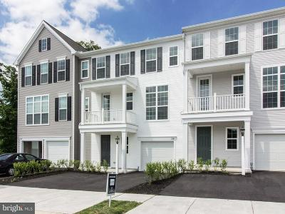Hummelstown Townhouse For Sale: 2141 Red Fox Drive