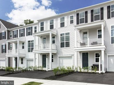 Hummelstown Townhouse For Sale: 2139 Red Fox Drive