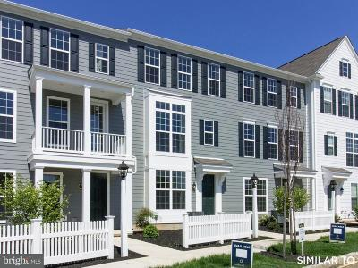 Camp Hill, Mechanicsburg Townhouse For Sale: 110 Morefield Way