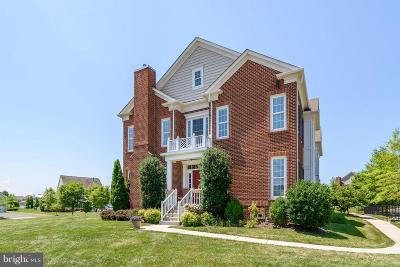 Leesburg Townhouse For Sale: 20761 Red Cedar Drive