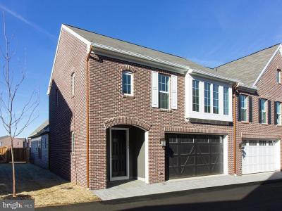 Camp Hill, Mechanicsburg Townhouse For Sale: 3206 Emerson Way