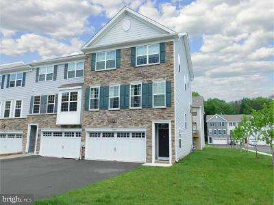 Middletown Townhouse For Sale: 27128 Hickory Lane