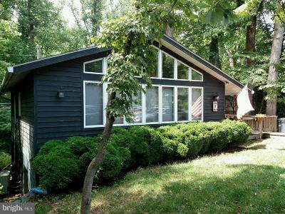 Annapolis Single Family Home For Sale: 166 Friar Tuck Hill