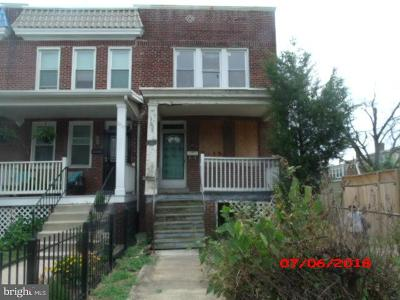 Single Family Home For Sale: 1915 H Street NE
