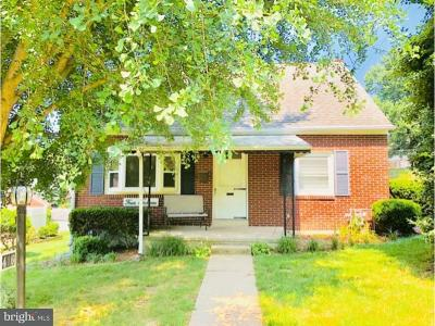 Single Family Home For Sale: 416 Telford Avenue