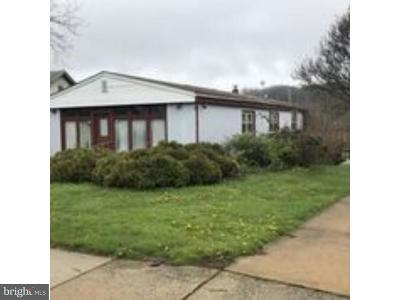 Coatesville PA Single Family Home For Sale: $139,900
