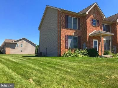 Chambersburg Townhouse For Sale: 1946 Powell Drive