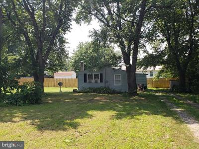 Colonial Beach Single Family Home For Sale: 227 Dale Drive