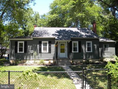 Town Of Colonial Beach Single Family Home For Sale: 233 Lincoln Avenue
