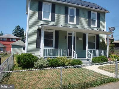 Cumberland Single Family Home For Sale: 15 South Street