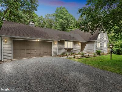 Prince Frederick Single Family Home For Sale: 2470 Wood Acres Court