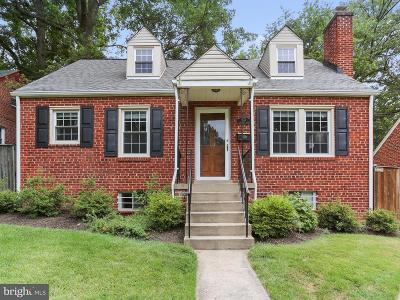 Silver Spring Single Family Home For Sale: 132 Lynnmoor Drive