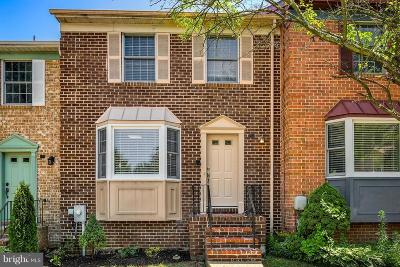 Cockeysville Townhouse Under Contract: 14 Cherrywood Court