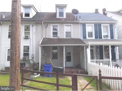 Pottstown Townhouse For Sale: 348 1/2 Lincoln Avenue