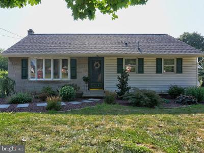 Elizabethtown Single Family Home For Sale: 219 Colebrook Road