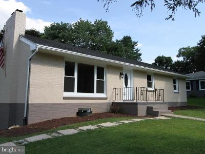Hagerstown Single Family Home For Sale: 11609 Robinwood Drive