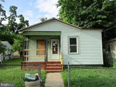 Woodbury Single Family Home For Sale: 74 Packard Avenue