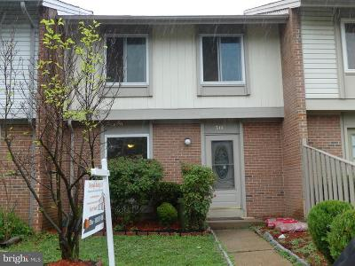 Reston, Herndon Townhouse For Sale: 518 Early Fall Court