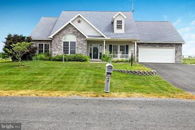 Chambersburg Single Family Home For Sale: 55 Summer Breeze Lane
