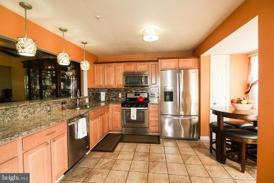 Upper Marlboro Townhouse For Sale: 102 College Station Drive