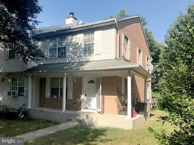 District Heights Townhouse For Sale: 3226 Forest Run Drive