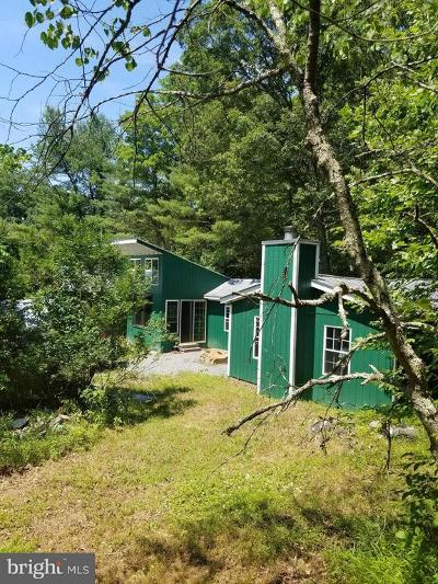 Great Cacapon Single Family Home For Sale: 9535 Cacapon Road