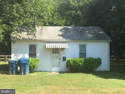 Wyoming Single Family Home For Sale: 105 Old North Road