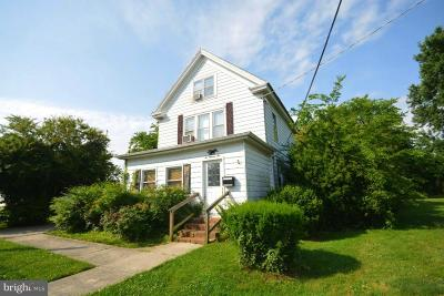 Cambridge Single Family Home For Sale: 602 Glasgow Street