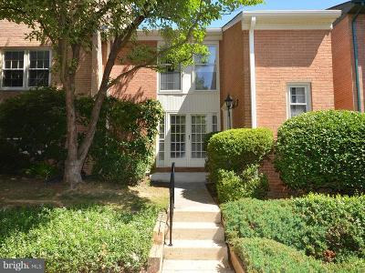 Falls Church Townhouse For Sale: 1962 Hopewood Drive