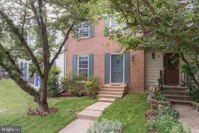 Burke, Springfield Townhouse For Sale: 9480 Cloverdale Court