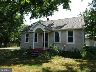 Middletown Single Family Home Active Under Contract: 1240 Cedar Lane Road