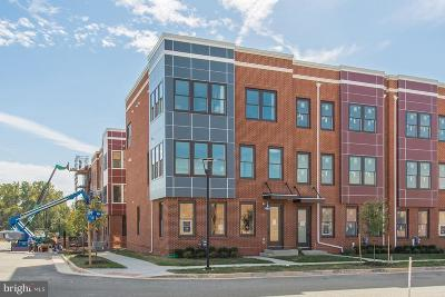 Lorton Townhouse For Sale: 9207 Central Green Street
