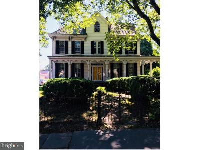 Middletown Single Family Home For Sale: 221 N Broad Street