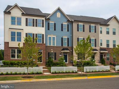 Dumfries Townhouse For Sale: 18091 Red Mulberry Road