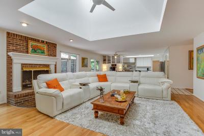 Lorton Single Family Home For Sale: 11836 Harley Road