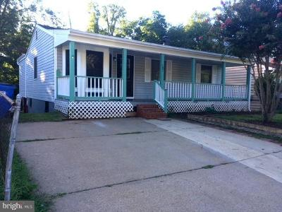 Manassas Single Family Home Active Under Contract: 131 Kent