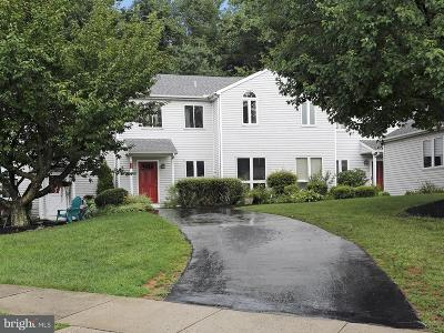 New Cumberland Townhouse For Sale: 1833 Creekview Drive
