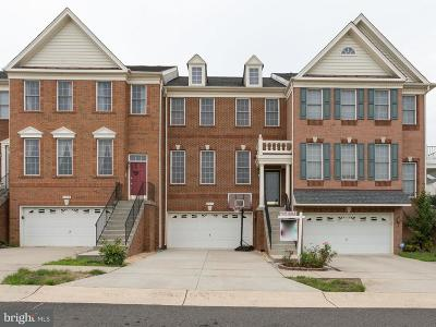 Chantilly Townhouse For Sale: 25240 Whippoorwill Terrace