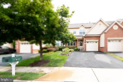 Ashburn Townhouse For Sale: 43619 Dunhill Cup Square
