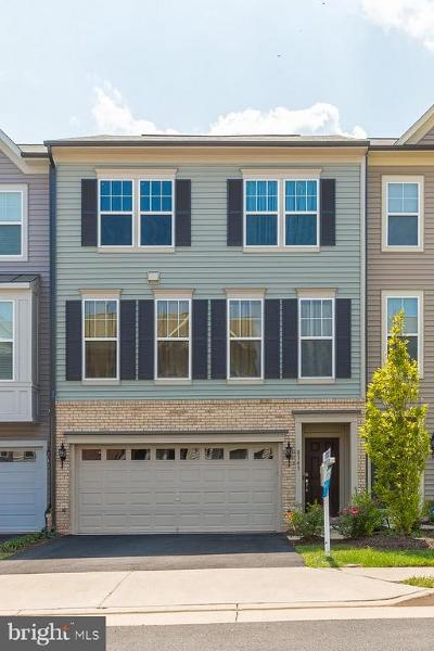 Manassas Park Townhouse For Sale: 8143 Honey Bee Way