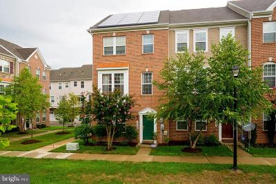 Upper Marlboro Townhouse For Sale: 1725 Fernwood Drive