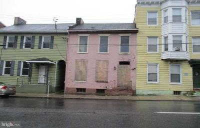 Chambersburg Townhouse For Sale: 20 W Queen Street