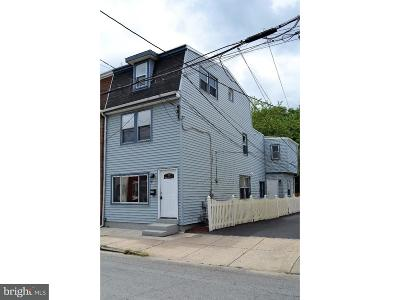 Bristol Single Family Home For Sale: 320 Market Street