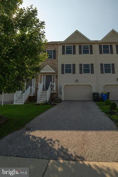 Dover Townhouse For Sale: 3906 Sheppard Drive