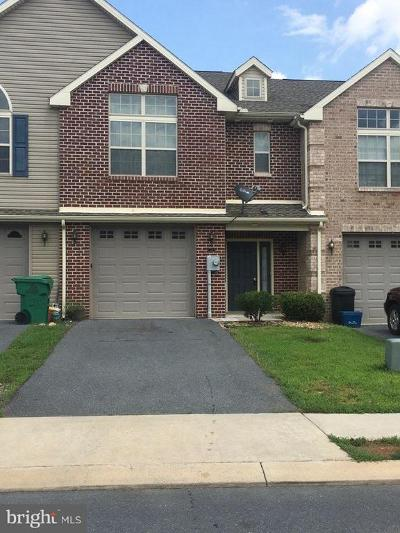 Chambersburg Townhouse For Sale: 248 Meriweather Drive