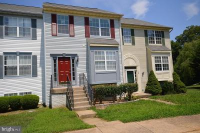 Townhouse For Sale: 102 Hastings Drive