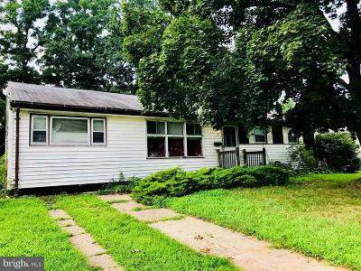 Burlington Township Single Family Home Under Contract: 3 Laramoor Drive