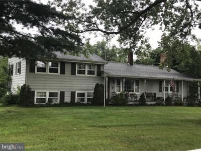 Cumberland County Single Family Home For Sale: 77 Seeley Road