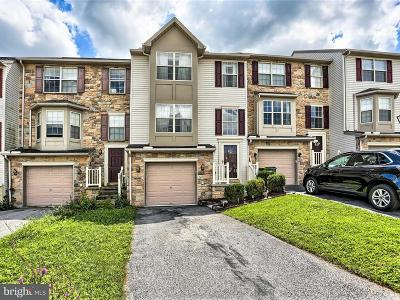 Hanover Townhouse For Sale: 113 Zachary Drive