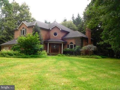 Dayton Single Family Home Under Contract: 14621 Viburnum Drive